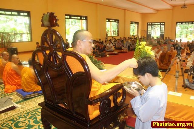 TRÀ AN LẠC Đoàn Thanh niên Phật tử Trà An lạc tu học và làm từ thiện